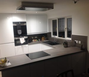 New White Gloss Fitted Kitchen